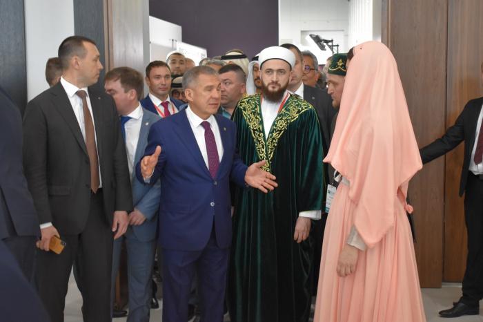 Рустам Минниханов посетил Kazansummit-2019 (ФОТО)