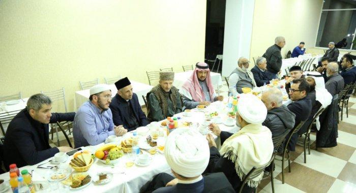 Встреча участников заседания Группы стратегического видения с Муфтием Дагестана (ФОТО)