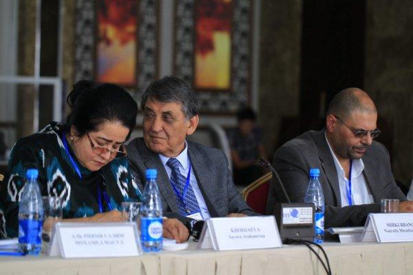 «Чингиз Айтматов — это то, что до конца понять невозможно», — Насирулла Миркурбанов на «Айтматовских чтениях» в Бишкеке