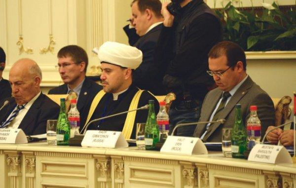 «Для нашей страны чрезвычайно важно установить и поддержать прямые дружественные связи и деловое партнерство с мусульманскими зарубежными общинами», — выступление Рушана Аббясова