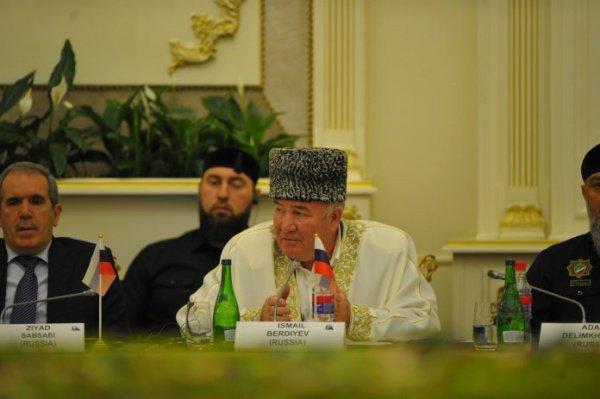 «Есть силы, которые специально для этого работают, чтобы побольше было войны, убийств на земле», — Исмаил Бердиев выступил на заседании Группы стратегического видения