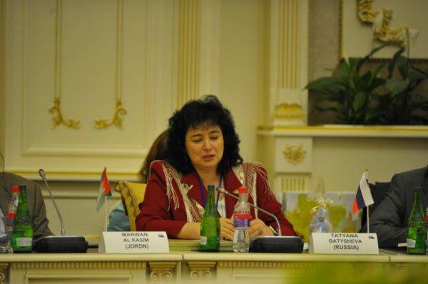«Мы обязаны объединить все лучшее, что есть и в исламе, и в христианстве», — Татьяна Батышева на заседании Группы