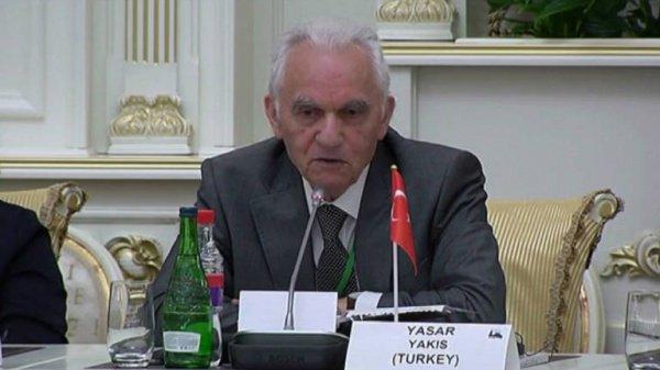 «Ислам, в отличие от того, что считают в западных странах, является коренной религией для России», — заявил Яшар Якыш