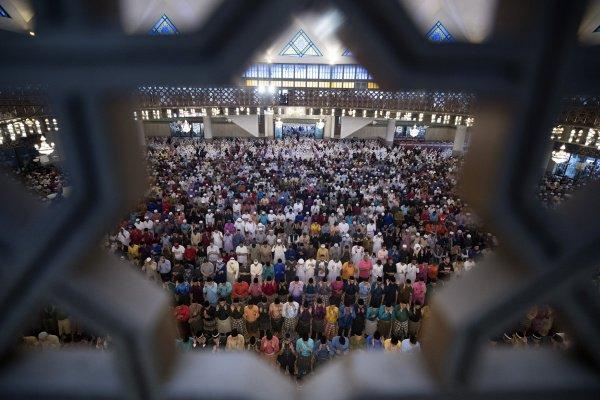 Как празднуют Ид аль-Фитр в разных странах мира?