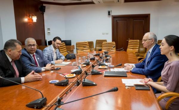 Фарит Мухаметшин провел встречу с Генеральным секретарем Всемирного совета мусульманских сообществ М. Аль-Бишари