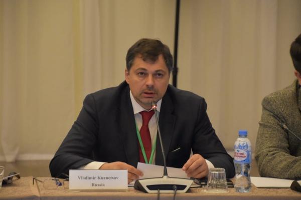 تأثير وسائل الإعلام على الرأي العام وتشكيل جدول الأعمال الدولي في اليوم الأول للمنتدى الدولي الخامس للصحفيين