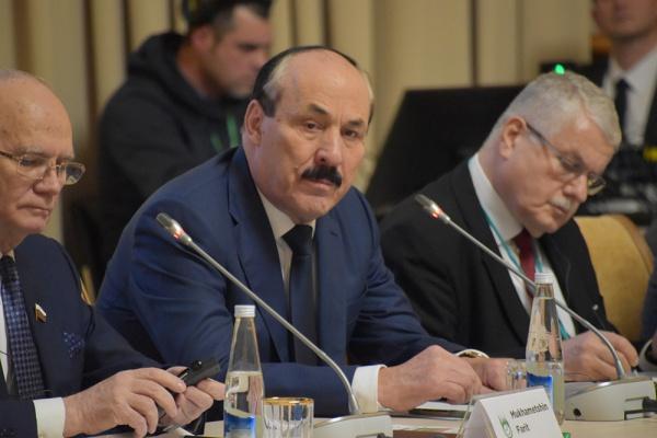 Участники международной конференции обсудили вклад Хакимова и Торекулова в развитие отношений с исламским миром