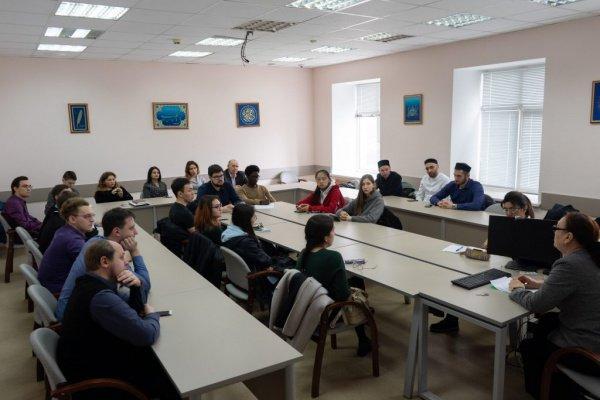 Эльмира Садыкова приняла участие в круглом столе по вопросам межрелигиозного диалога в Казани