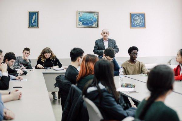 Эльмира Садыкова приняла участие в круглом столе по межрелигиозному диалогу, организованном в Казанском университете