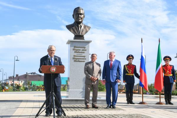 Бюст первому президенту Татарстана открыли в Актанышском районе