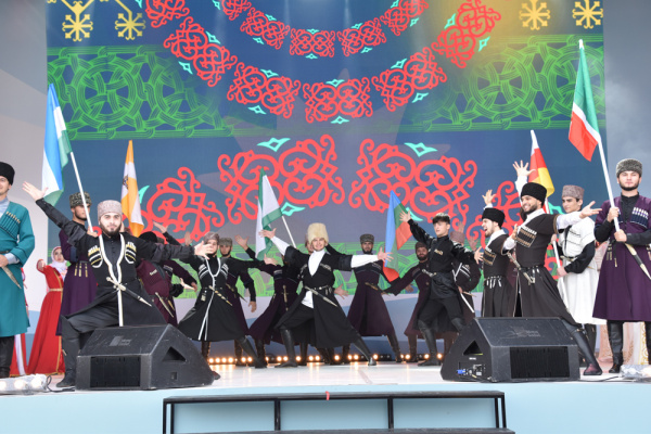 «Синтез мира, синтез искусств» - Казань на один день вобрала в себя весь Северный Кавказ