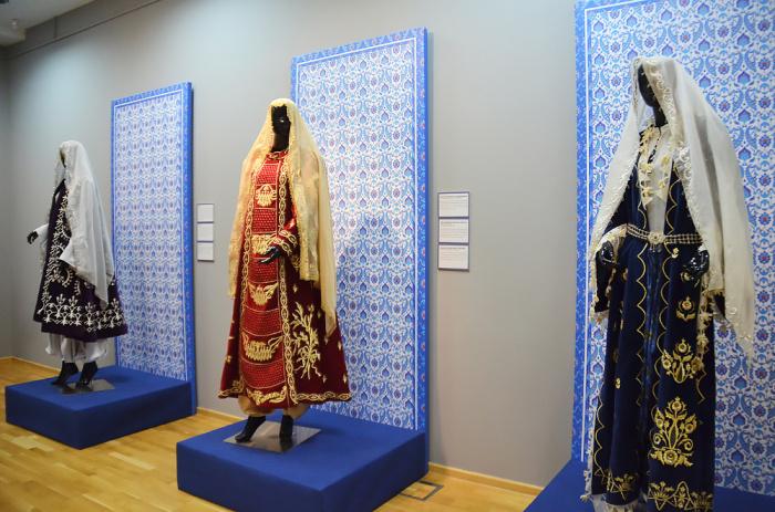 Янычары, реставрация платья Сююмбике и костюмы прямиком из Турции – чем знаменательна выставка «Кафтан. Костюмы Османской империи»