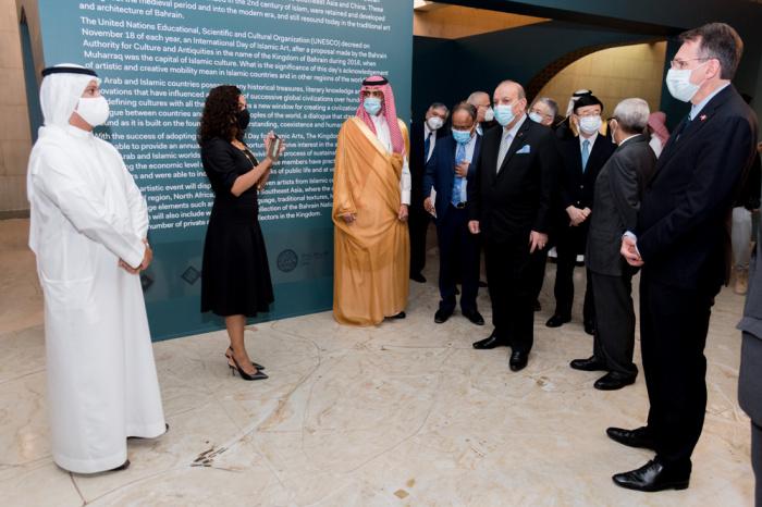 Celebrating the International Day of Islamic Arts in Bahrain (PHOTO)