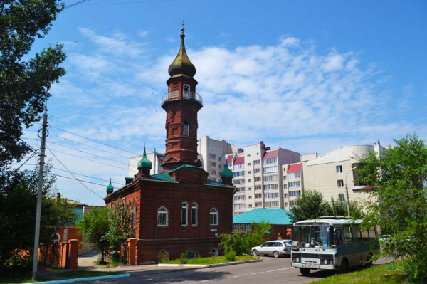 Where is the northernmost mosque in Russia located?